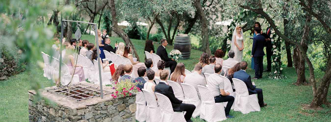 Enjoy Your Protestant Wedding Celebration At Any Outdoor Ceremony Venue With An English Speaking Pastor The Local Will Work To